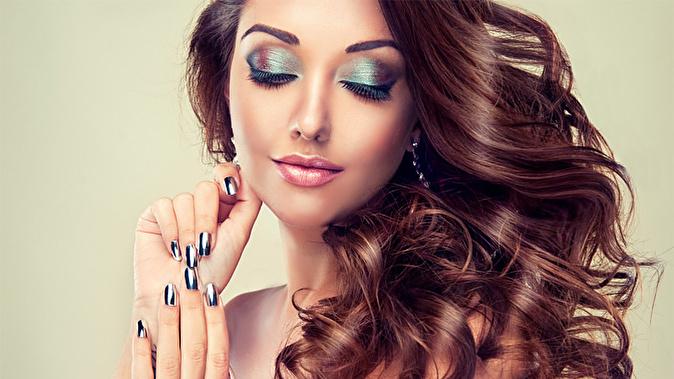 Женские прически маникюр макияж
