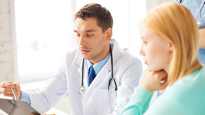 На приеме врача гинеколога мужчины