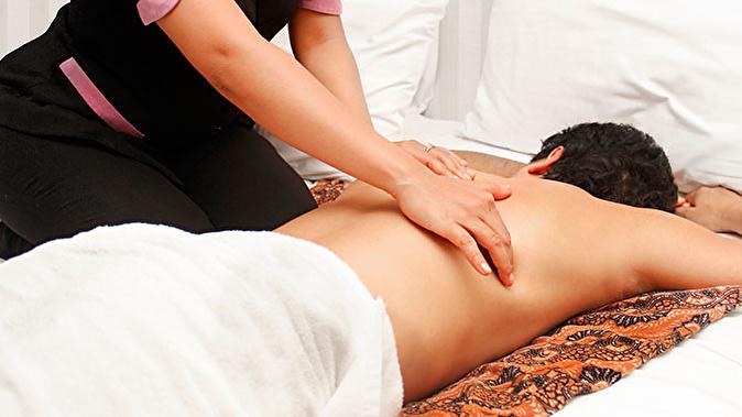 eroticheskiy-massazh-u-doktora