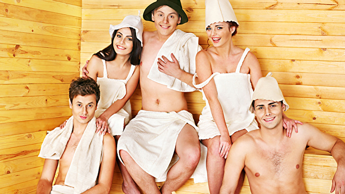 zhena-poshla-v-saunu-porno