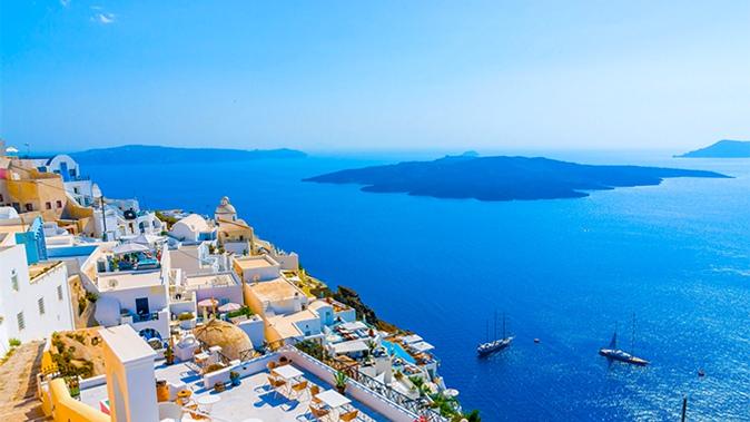 Отель в остров Эгина на побережье
