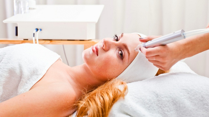 Ультразвуковой пилинг волосистой части головы лазерная эпиляция винница роксолана